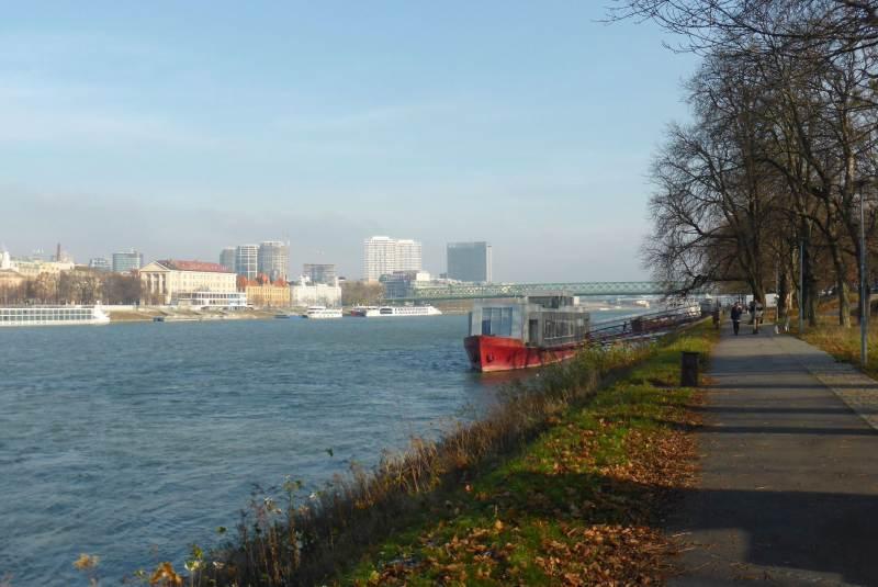 Bratislava Danube cycling path
